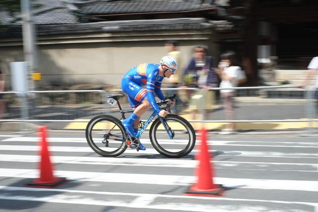 堺で自転車レース ツアーオブジャパン